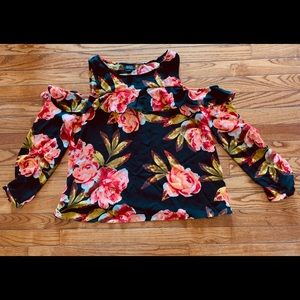 A.N.A. Cold shoulder black floral - Large